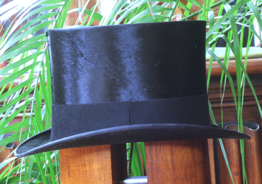Vintage Large Silk Top Hat For Sale 59 5cm Size 7 25